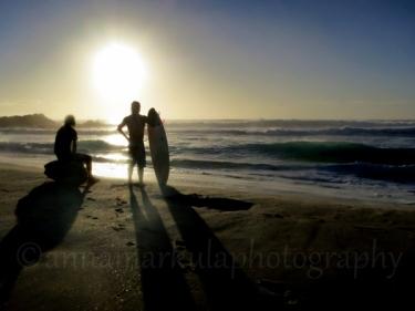 dawn_surfers
