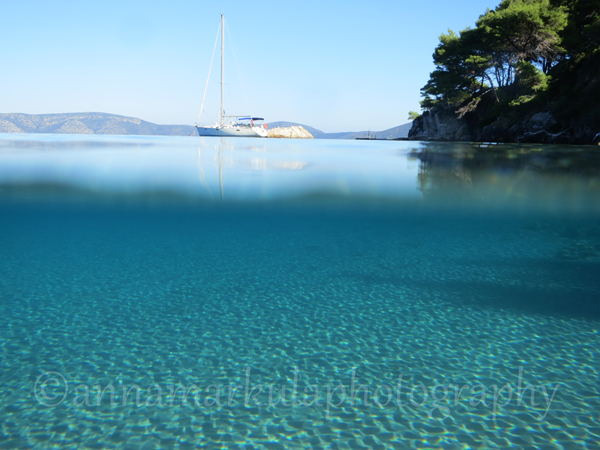 Greece_yacht underwater landscape